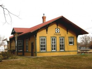 Friona's First Depot: Erected in 1910 as part of the Santa Fe Rail Line, this depot was restored in 1985 through the efforts of the community.