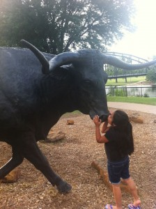 Cattle drive statues in Waco