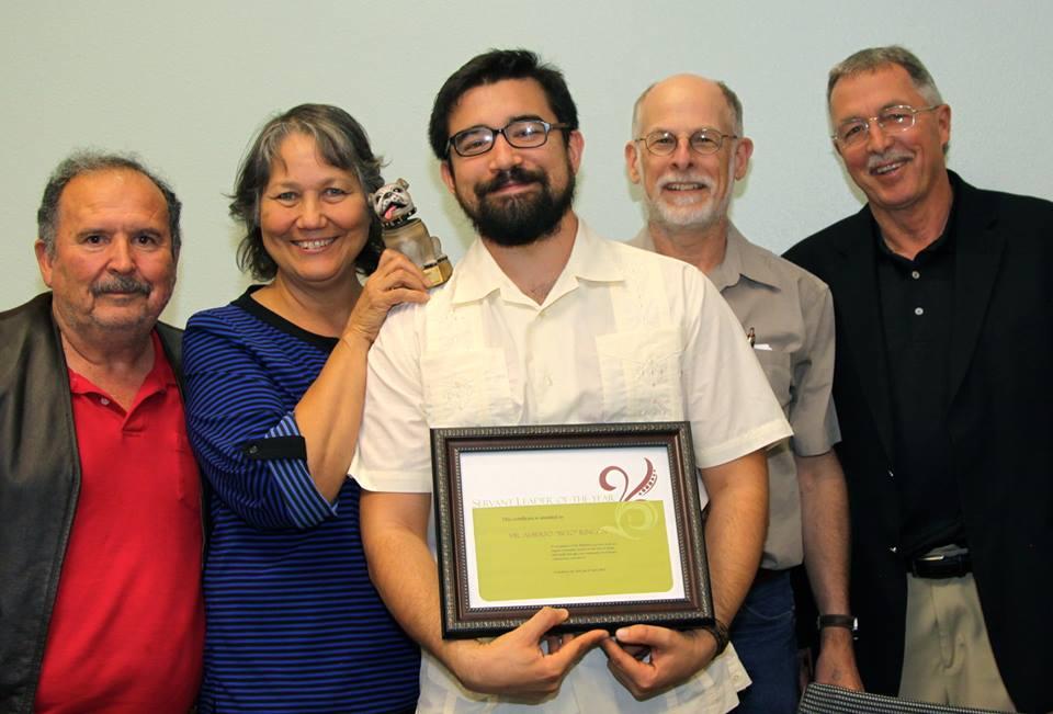 beto wins award